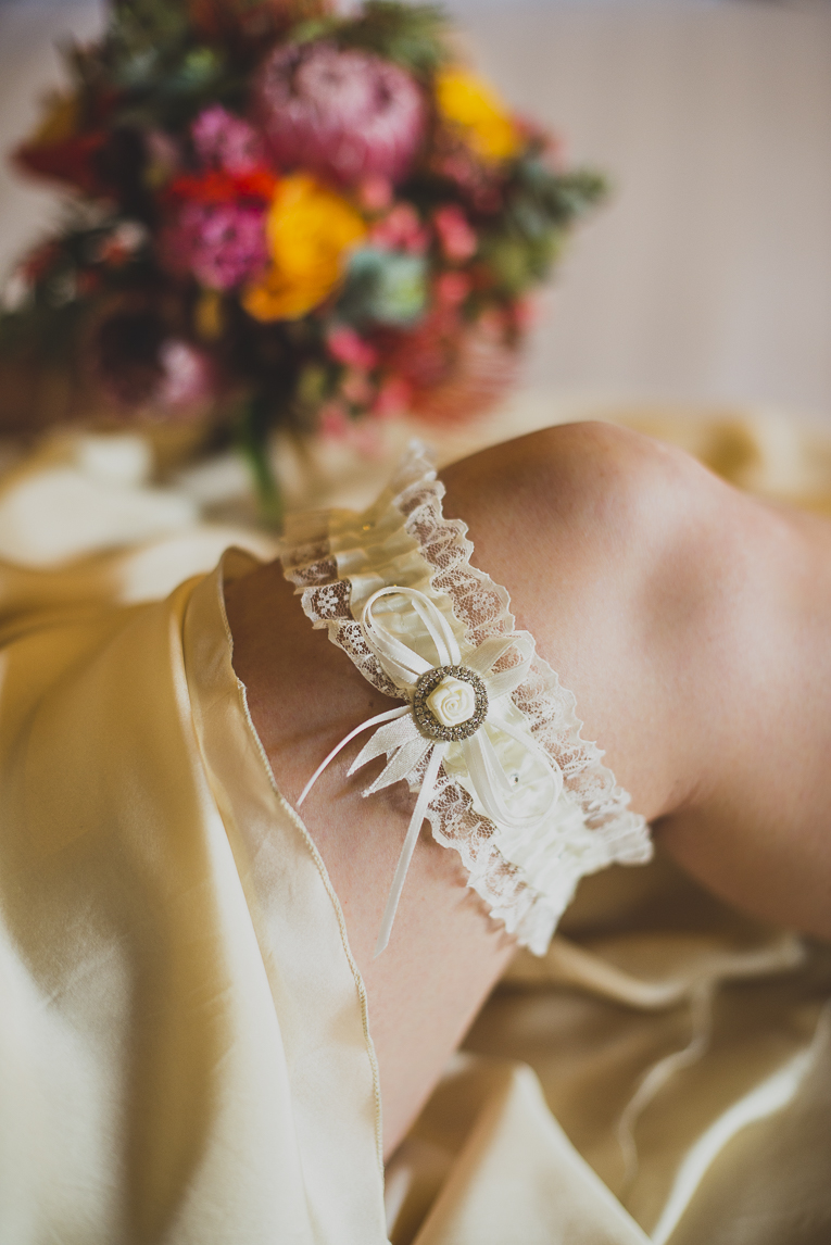 rozimages - wedding photography - bride garter close-up - Broome, Australia