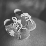 Baby shoes. Maternty, Pregnancy, Newborn photo session. Photographer: Rozenn Hamoniau (South-West France)