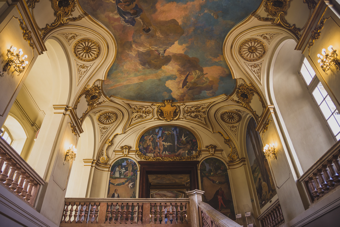 pink city architecture - large paintings on ceiling - Salle des Illustres, Capitole, Toulouse, France