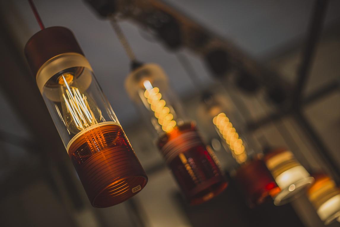 rozimages - photographie évènementielle - Salon des Arts et du Feu 2015 - lampes pendant du plafond - Martres-Tolosane, France