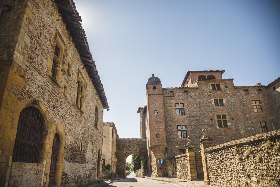 rozimages - photographie de voyage - rue et château - Palaminy, France