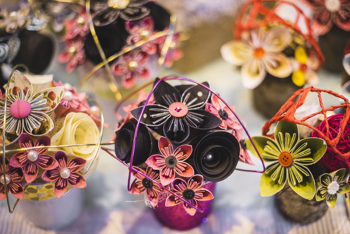 rozimages - photographie d'évènement - évènement communautaire - Marché de Noël 2015 - bouquets en papier - Mondavezan, France