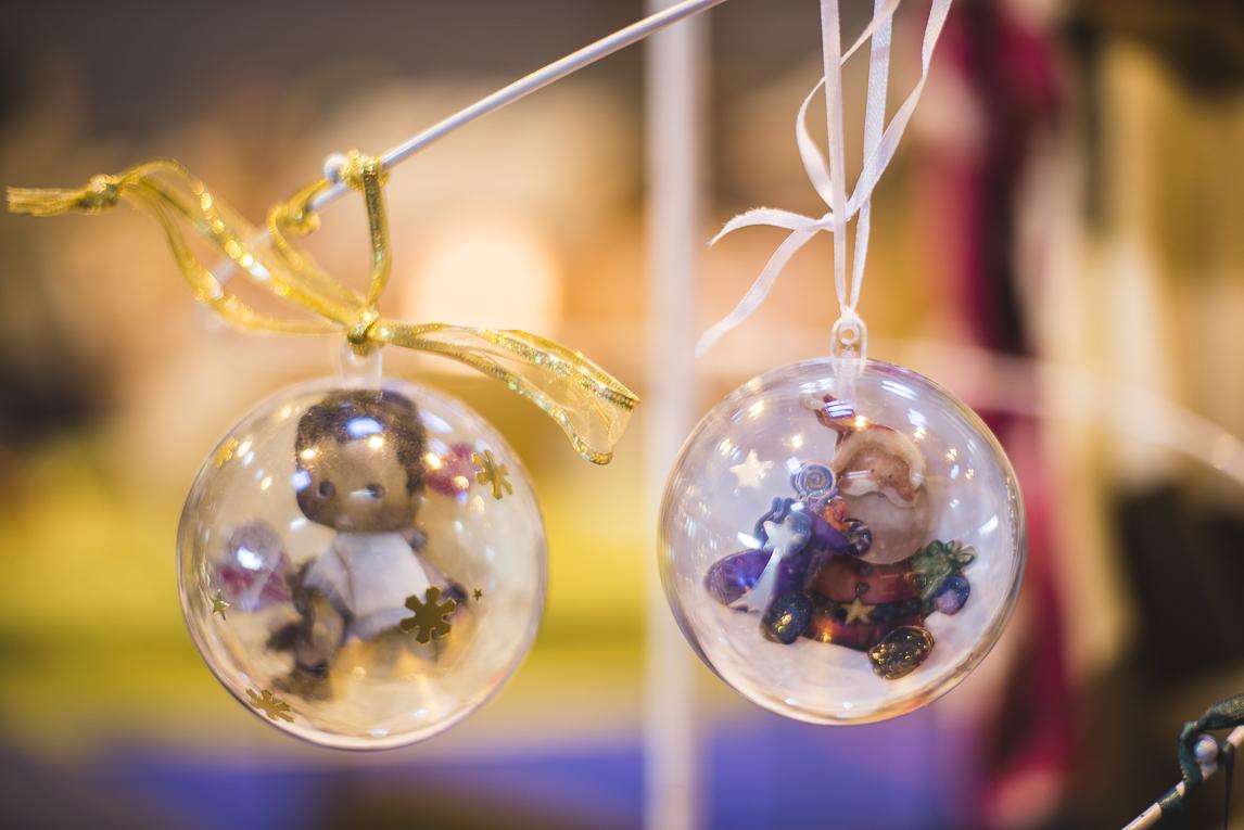 rozimages - photographie d'évènement - évènement communautaire - Marché de Noël 2015 - boules de Noel - Mondavezan, France