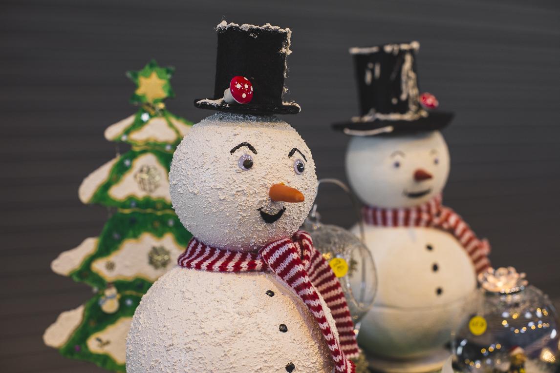 rozimages - photographie d'évènement - évènement communautaire - Marché de Noël 2015 - bonhommes de neige - Mondavezan, France