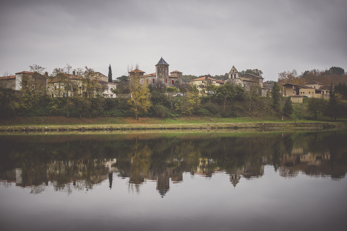 rozimages - travel photography - little town near river - Couladère, France