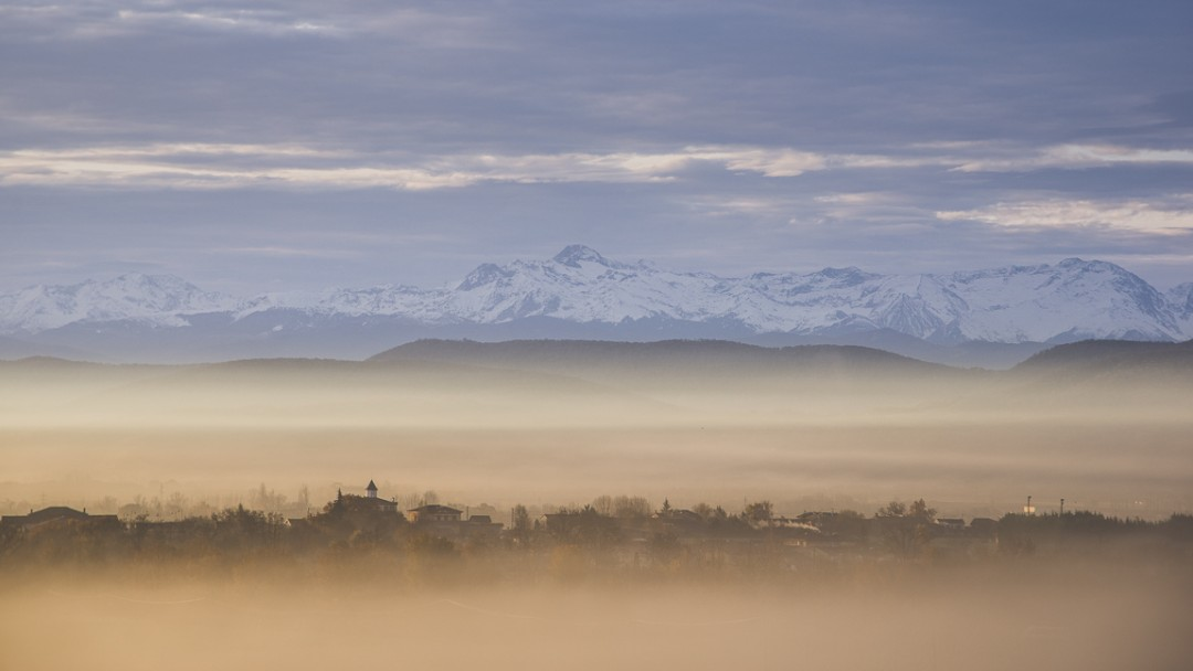 rozimages - travel photography - view of the Pyrenees mountains - Mondavezan, France