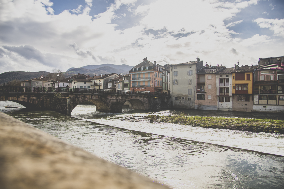 Photo of the French town of Saint-Girons - Buildings, bridge and river - Saint-Girons Photographer