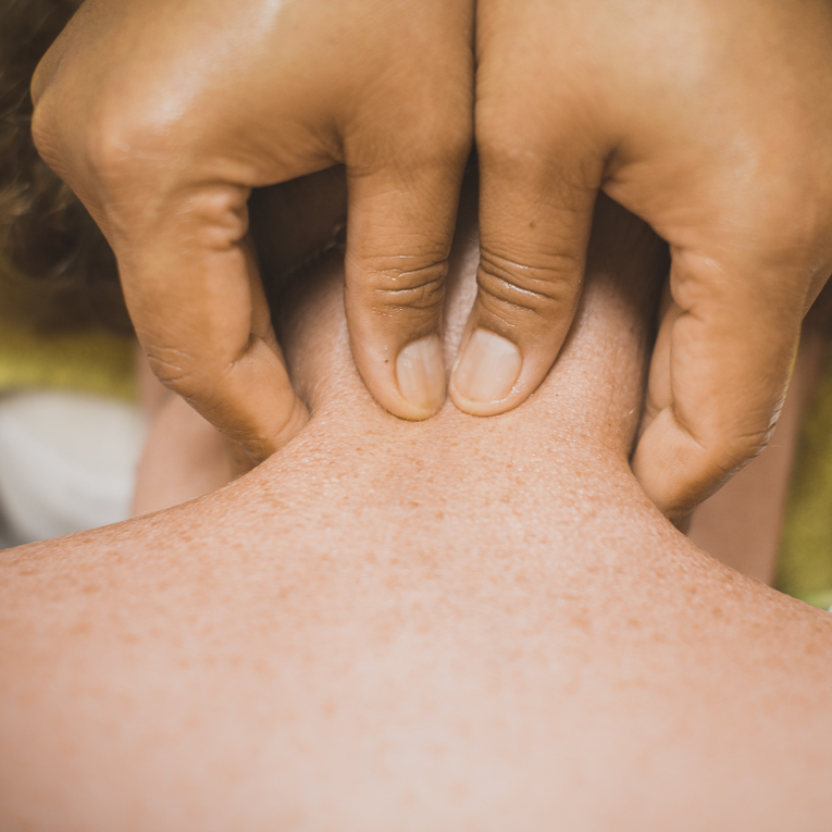 Thai Touch Massage Utopia Broome - oil massage being done on neck - Commercial Photographer