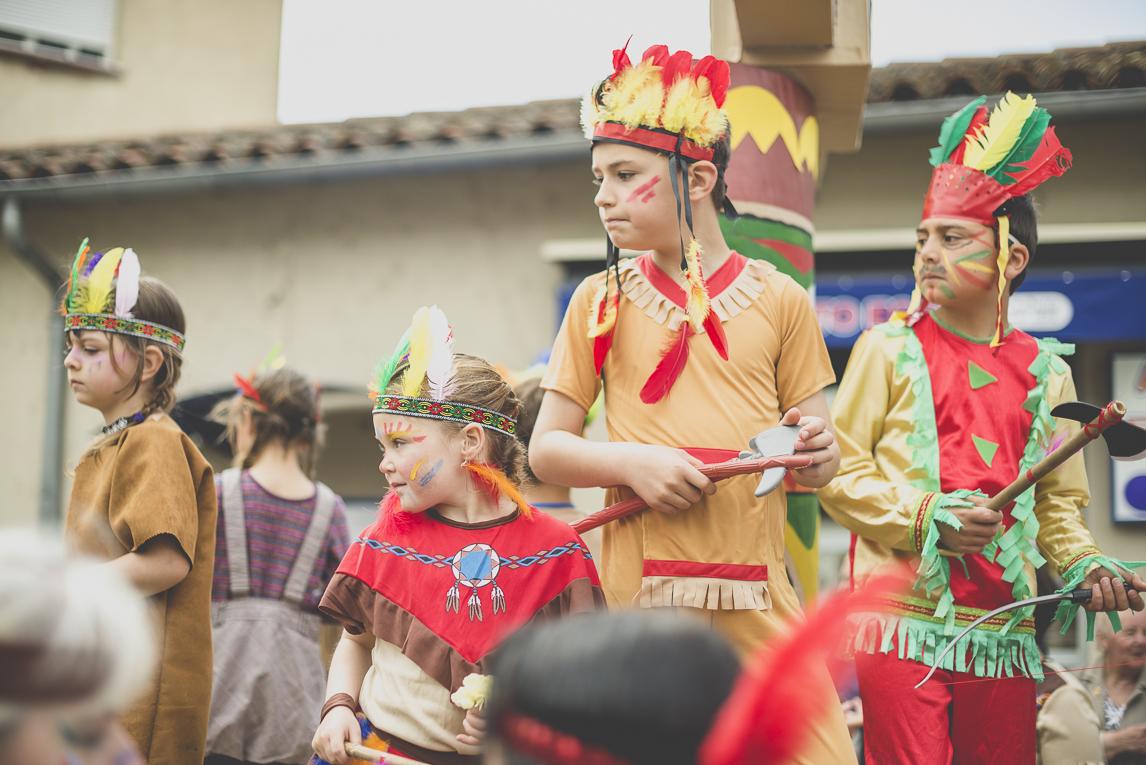 Fête des fleurs Cazères 2016 - enfants jouant sur char de défilé - Photographe évènementiel
