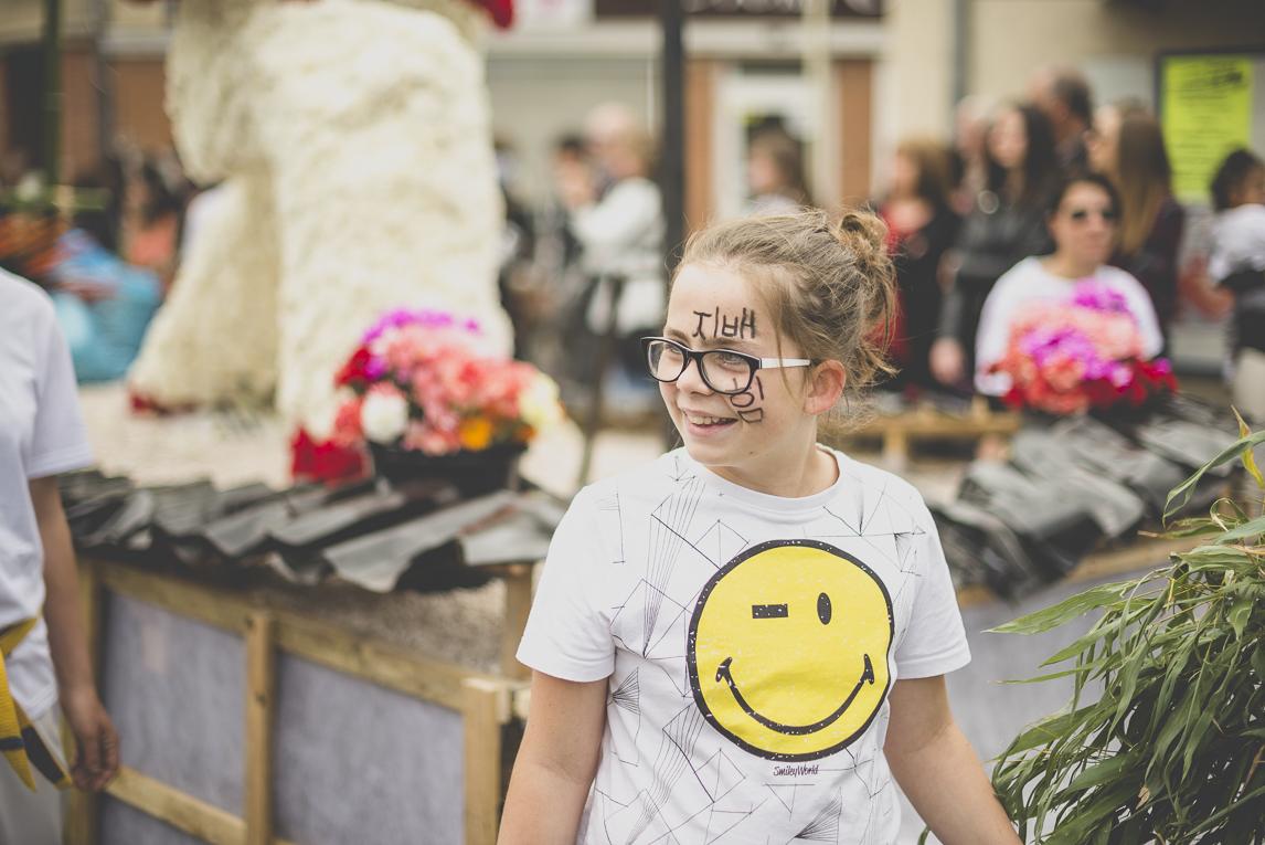Fête des fleurs Cazères 2016 - enfant défilant - Photographe évènementiel