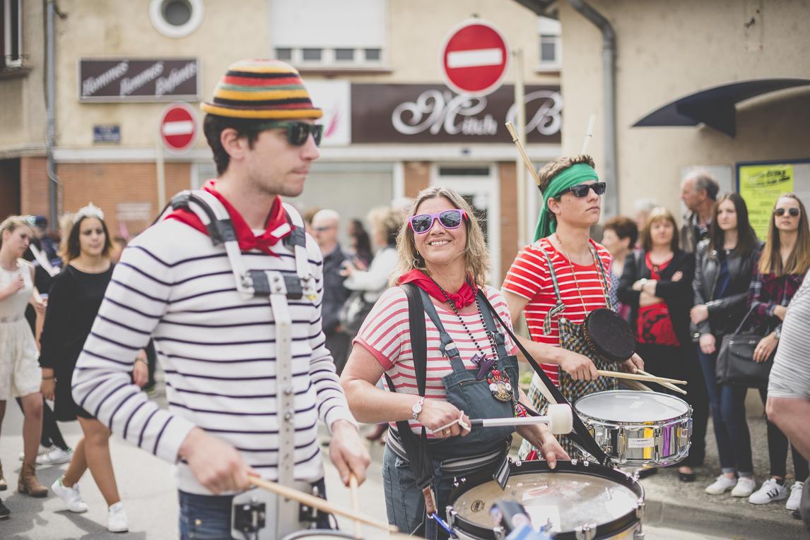 Fête des fleurs Cazères 2016 - joueurs de tambour dans une fanfare - Photographe évènementiel