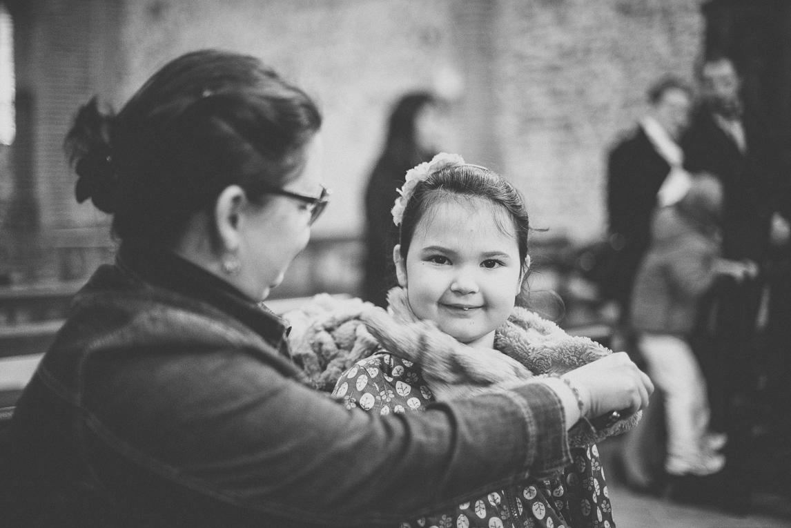 Baptism in Mondavezan - Little girl and mum - Family Photographer