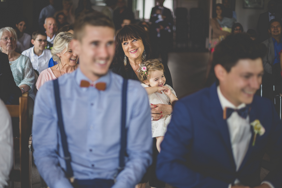Wedding Photography Toulouse - child and guests during civil ceremony - Wedding Photographer