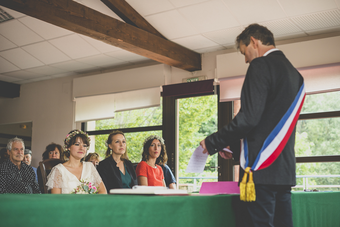 Wedding Photography Toulouse - married couple and witnesses during civil ceremony - Wedding Photographer