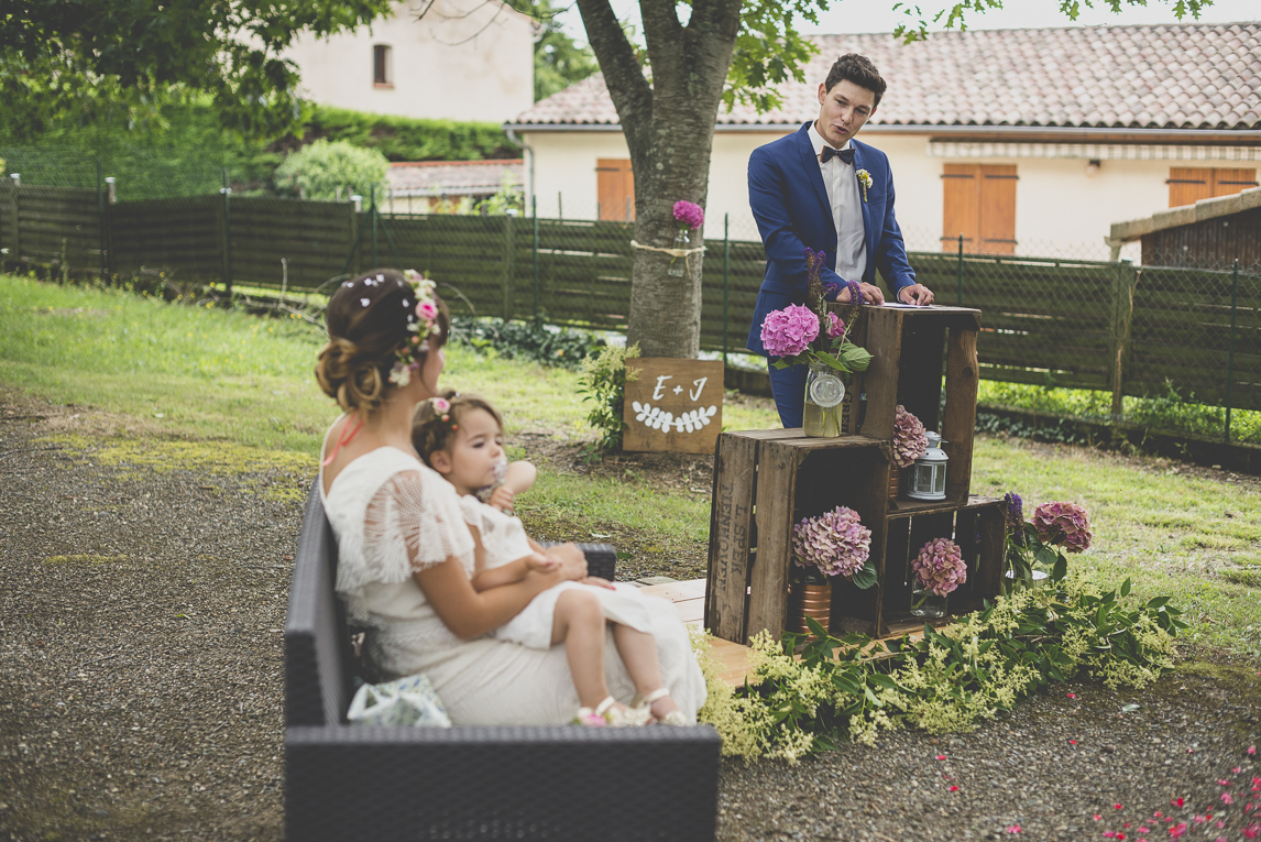 Wedding Photography Toulouse - groom's speech during secular ceremony - Wedding Photographer