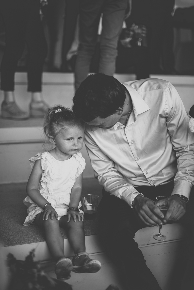 Wedding Photography Toulouse - little girl and father - Wedding Photographer