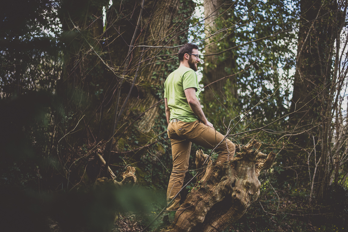 Couple session in Brittany - man in the woods - Couple Photographer