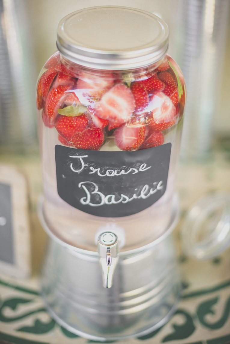 Wedding Photography South West France - water fountain with strawberries and basil - Wedding Photographer