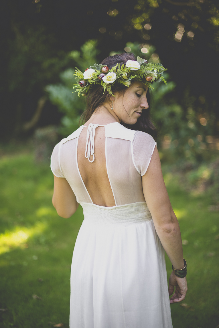 Wedding Photography Brittany - back of bride - Wedding Photographer