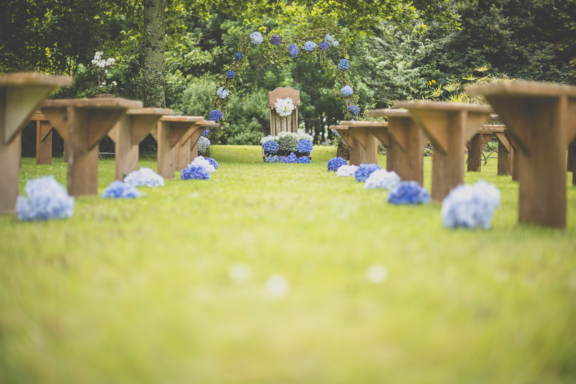Wedding Photography Brittany - Decoration for outdoor wedding ceremony - Wedding Photographer