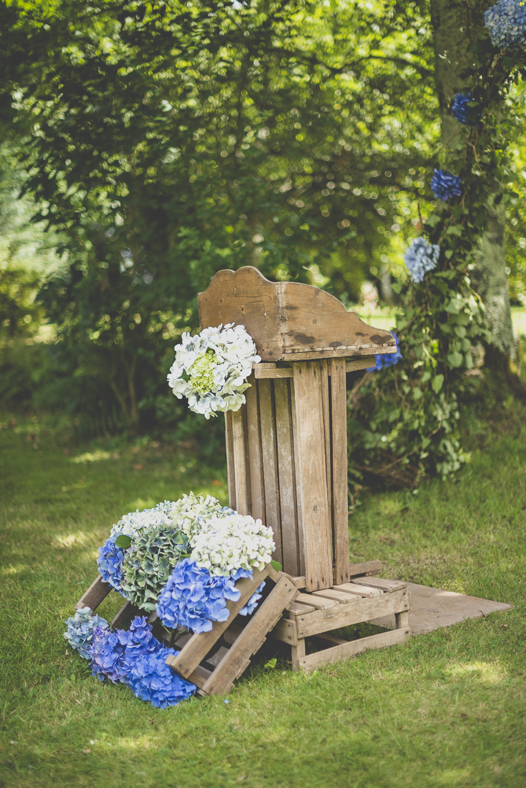 Wedding Photography Brittany - Decoration of speech stand for outdoor wedding ceremony - Wedding Photographer