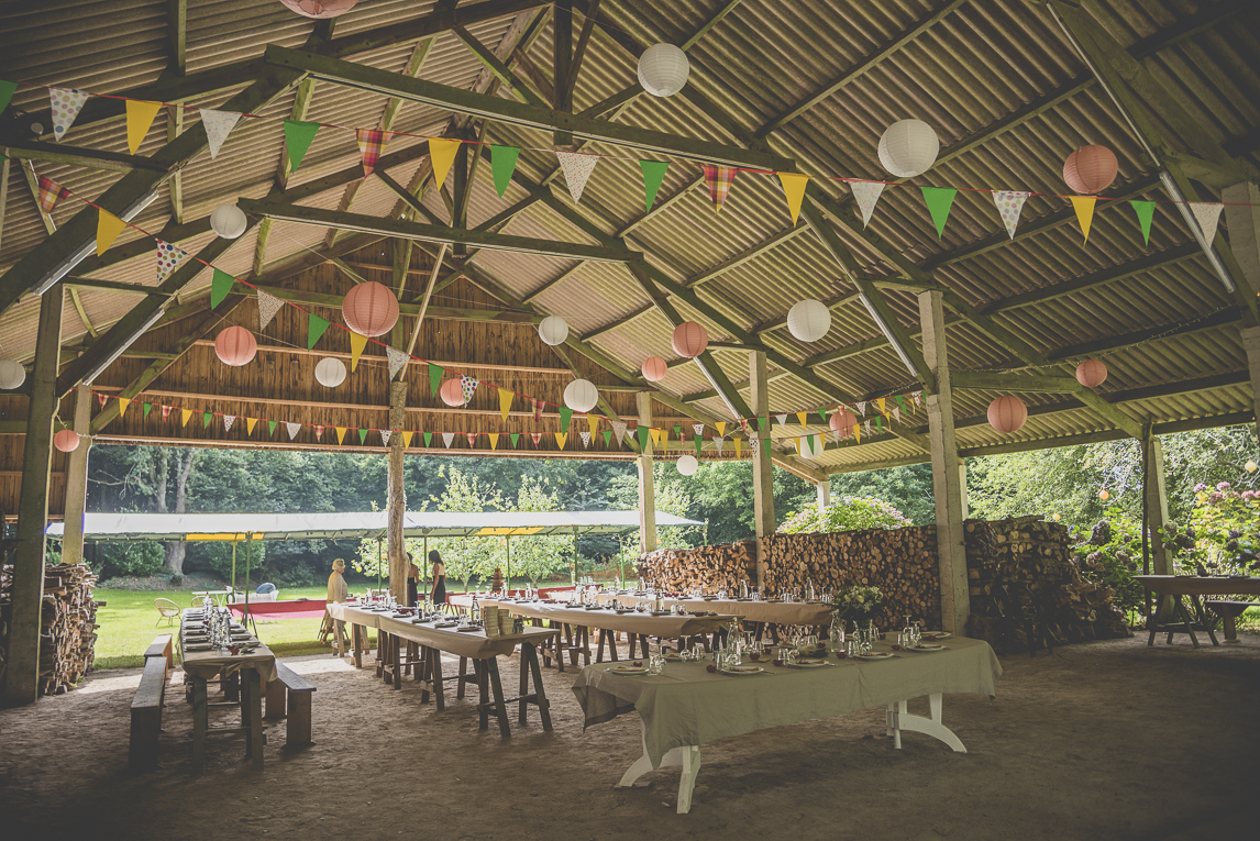 Wedding Photography Brittany - wedding decoration in barn - Wedding Photographer