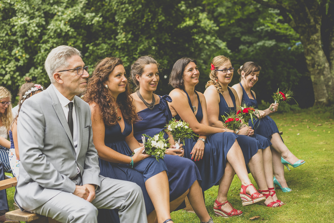 Wedding Photography Brittany - bridesmaids during outdoor wedding ceremony - Wedding Photographer