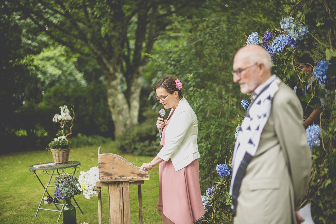 Wedding Photography Brittany - outdoor wedding ceremony - Wedding Photographer