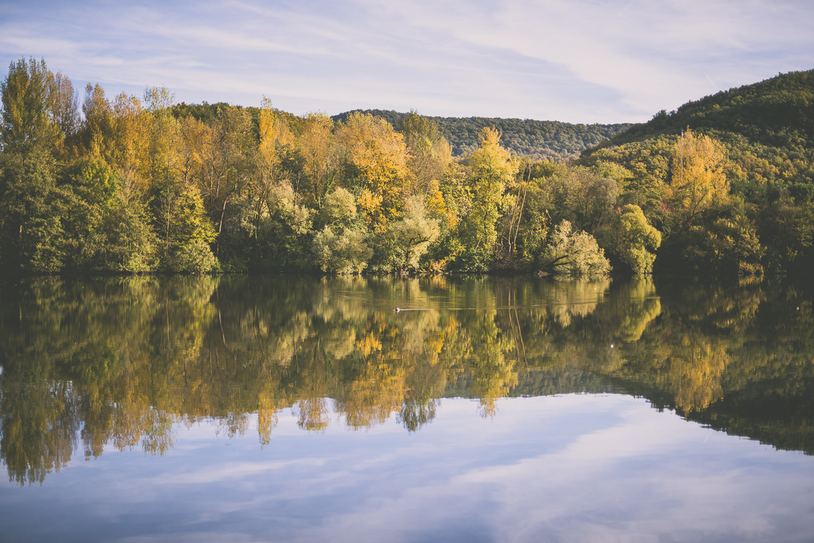 Photography of autumn colours 2016 - trees with autumn coloured leaves along the Boussens lake - Nature Photographer