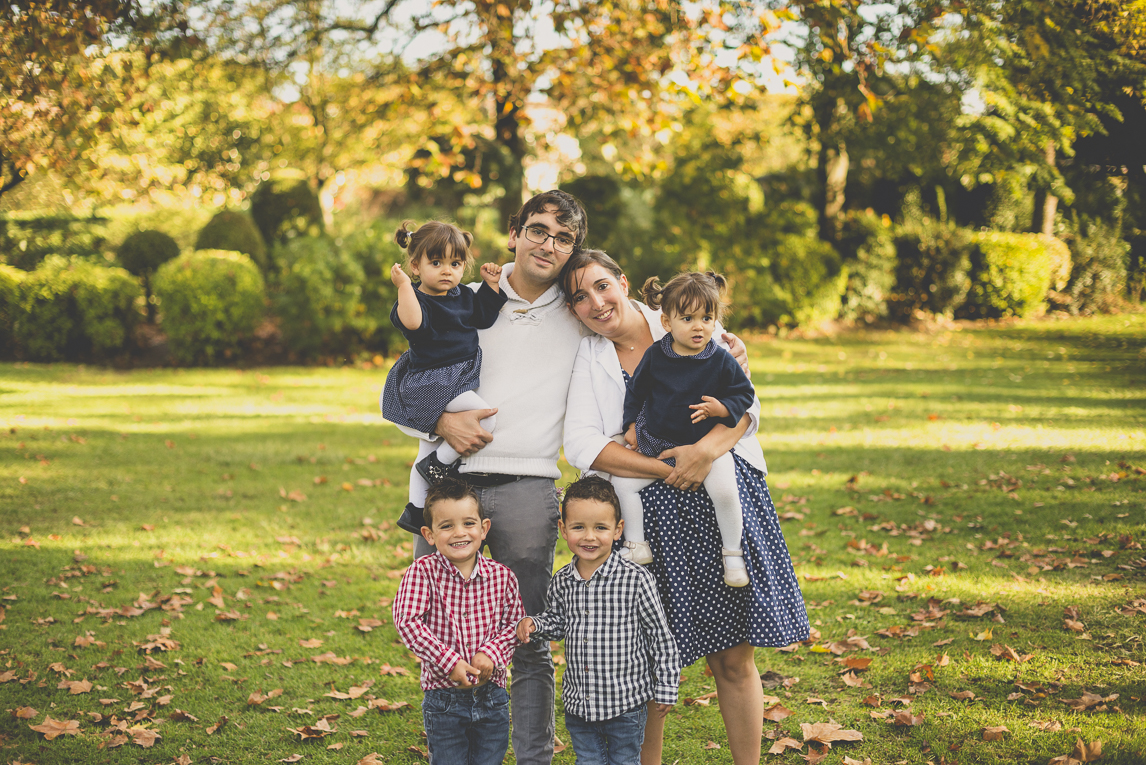 Séance photo famille - portrait de famille avec quatre enfants - Photographe famille