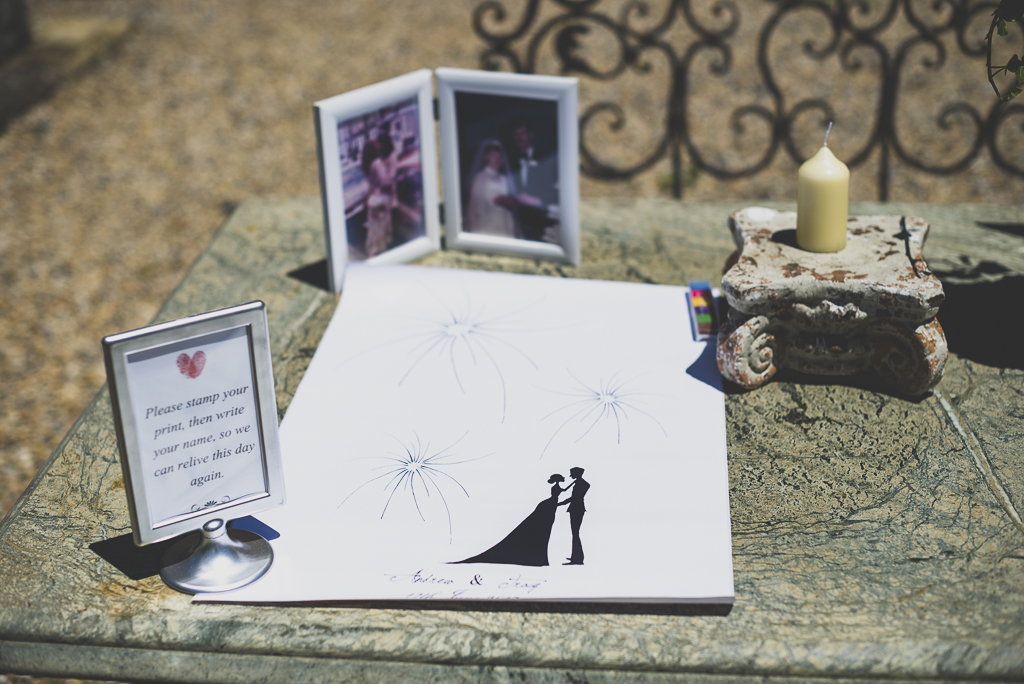 Wedding Photography French châteaus - drawing for finger prints - Wedding Photographer