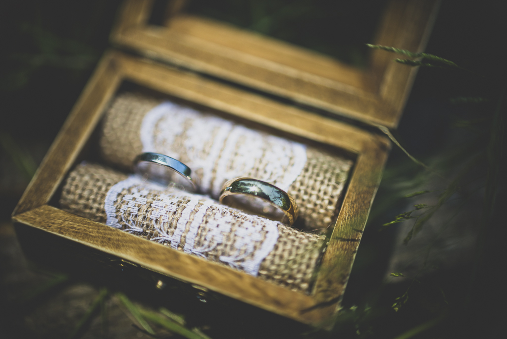 Wedding Photography French château - rings close up - Wedding Photographer