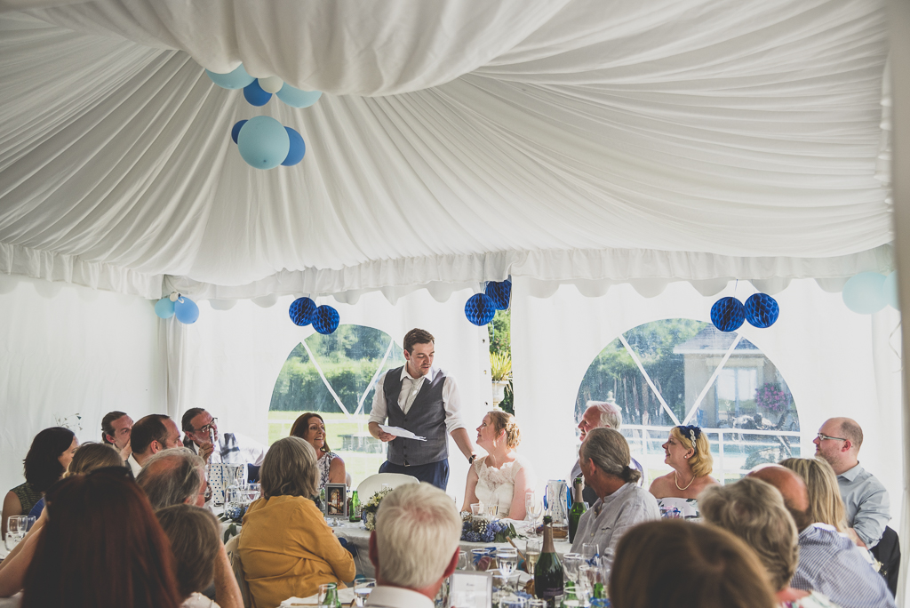 Wedding Photography French château - speech during dinner - Wedding Photographer