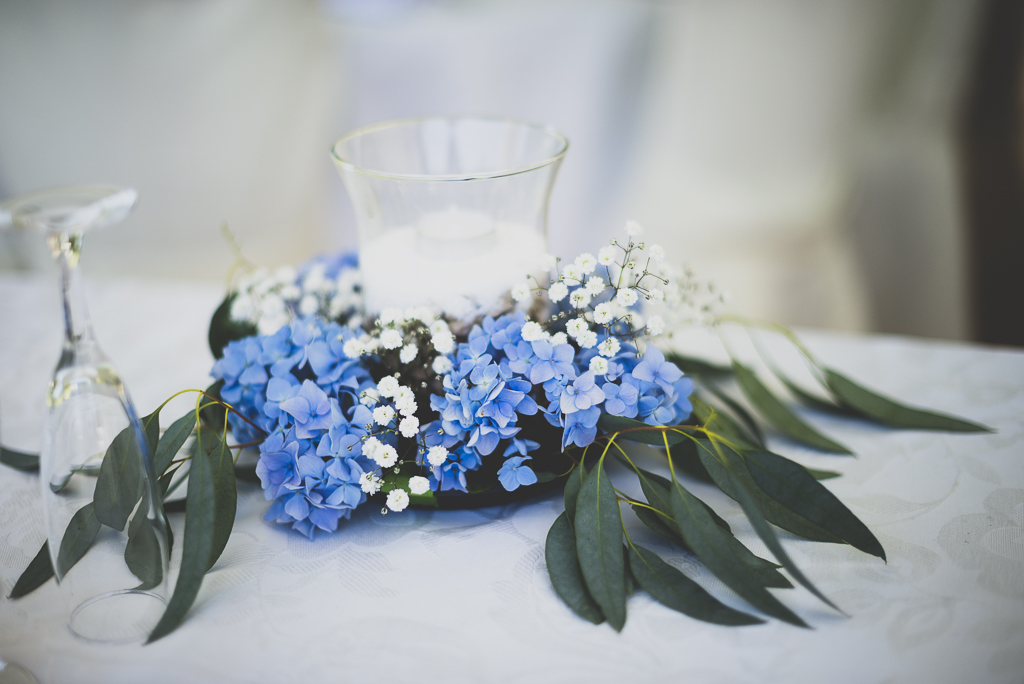 Wedding Photography French château - flowers on table - Wedding Photographer