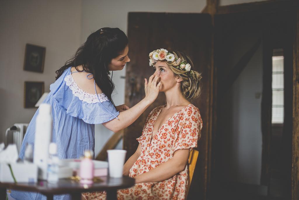 Wedding Photography Toulouse - make-up of bride - Wedding Photographer