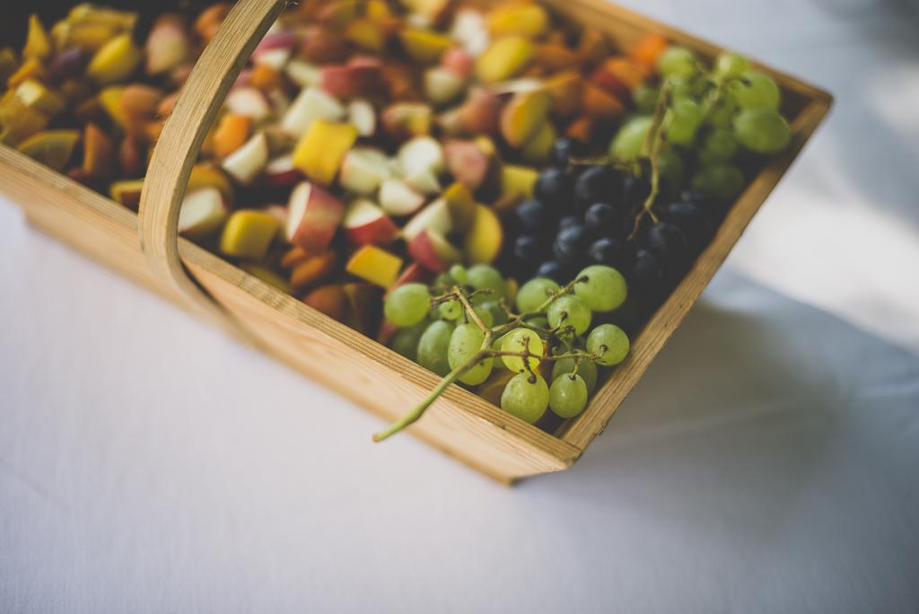 Wedding Photography Toulouse - fruit basket - Wedding Photographer