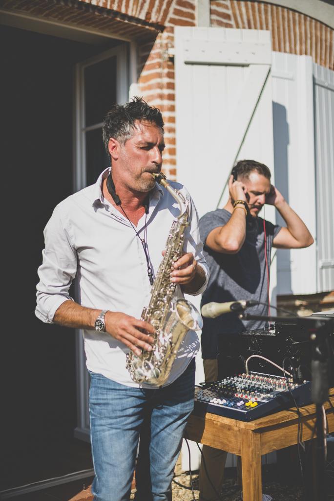 Reportage mariage Toulouse - joueur de saxophone - Photographe mariage
