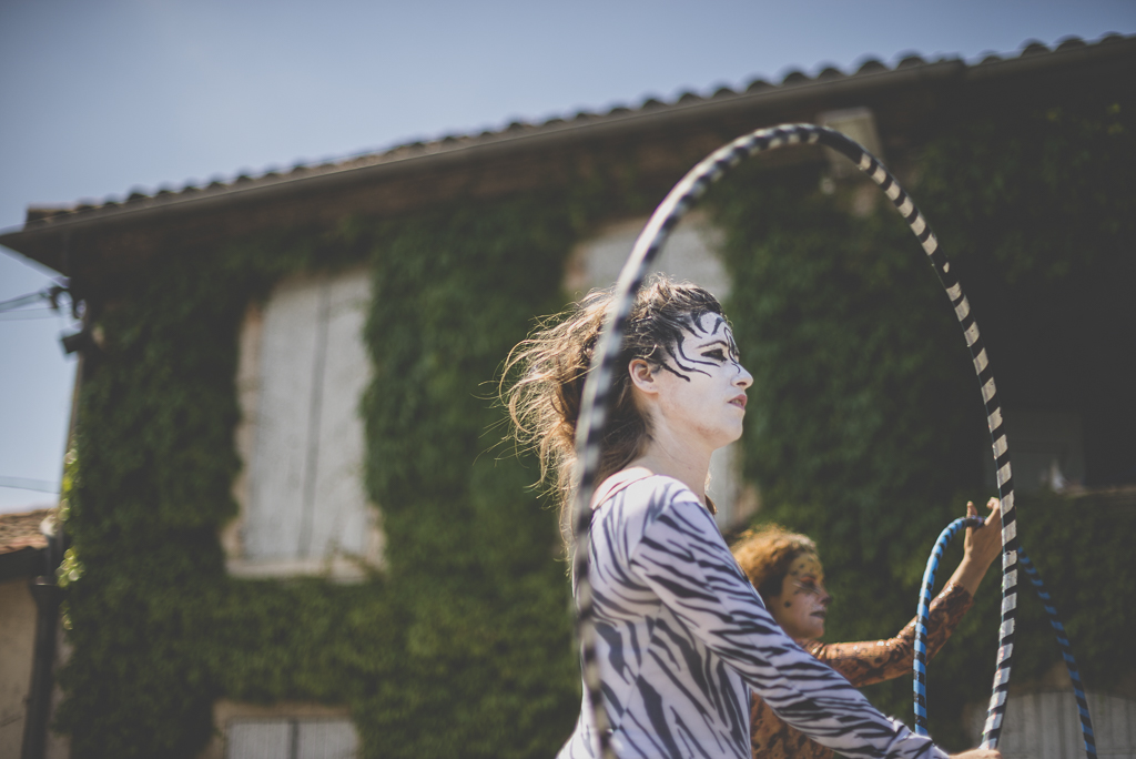 Fete des fleurs Cazeres 2018 - femme et hula hoop - Photographe Haute-Garonne