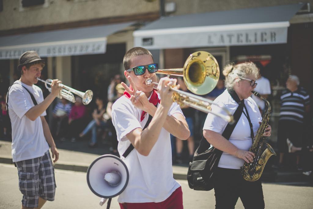 Fete des fleurs Cazeres 2018 - joueur de trombone - Photographe Haute-Garonne
