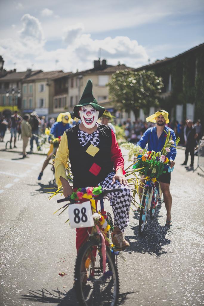 Fete des fleurs Cazeres 2018 - velo et cycliste decores - Photographe Haute-Garonne