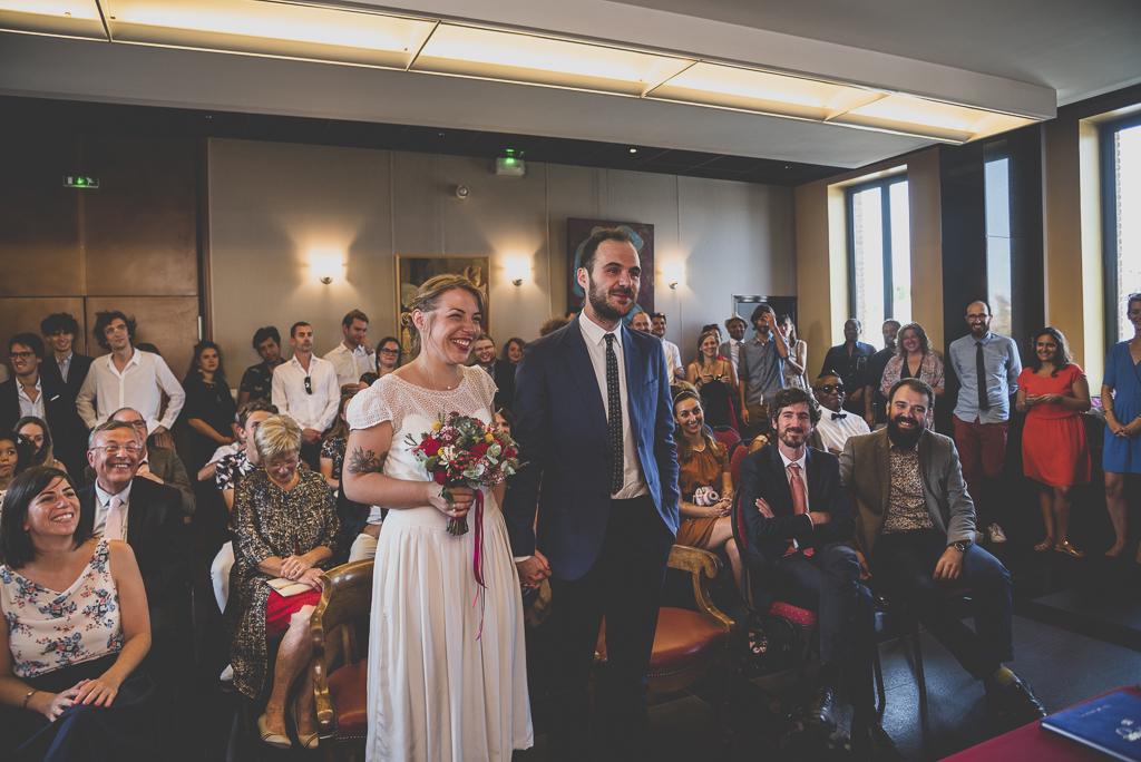 Reportage mariage Haute-Garonne - mariés à la mairie - Photographe mariage