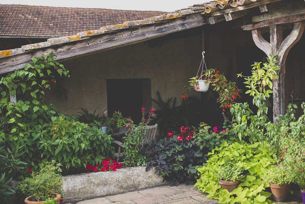 Reportage mariage Haute-Garonne - fleurs et plantes de jardin - Photographe mariage