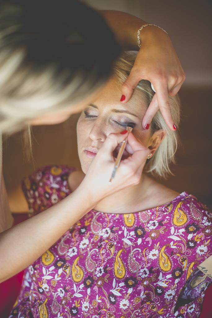 Reportage mariage Haute-Garonne - maquillage de la mariée - Photographe mariage Saint-Gaudens