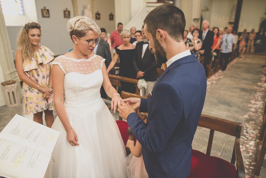 Wedding Photography Haute-Garonne - échange alliances à l'église - Wedding PhotographerSaint-Gaudens
