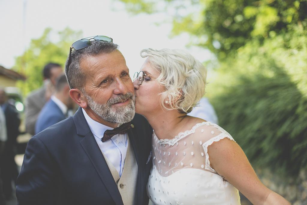 Wedding Photography Haute-Garonne - mariée embrasse son papa - Wedding Photographer Saint-Gaudens