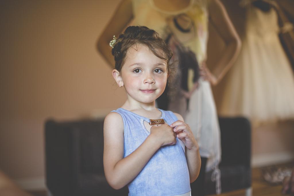 Wedding Photography Haute-Garonne - portrait de petite fille - Wedding Photographer Saint-Gaudens