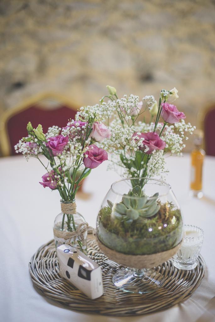 Wedding Photography Haute-Garonne - fleurs et décoration sur table - Wedding Photographer Saint-Gaudens