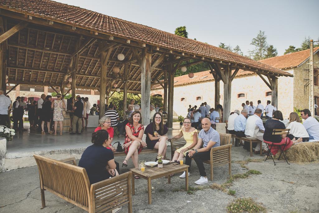 Wedding Photography Haute-Garonne - vin d'honneur à la métairie du chateau - Wedding Photographer Saint-Gaudens