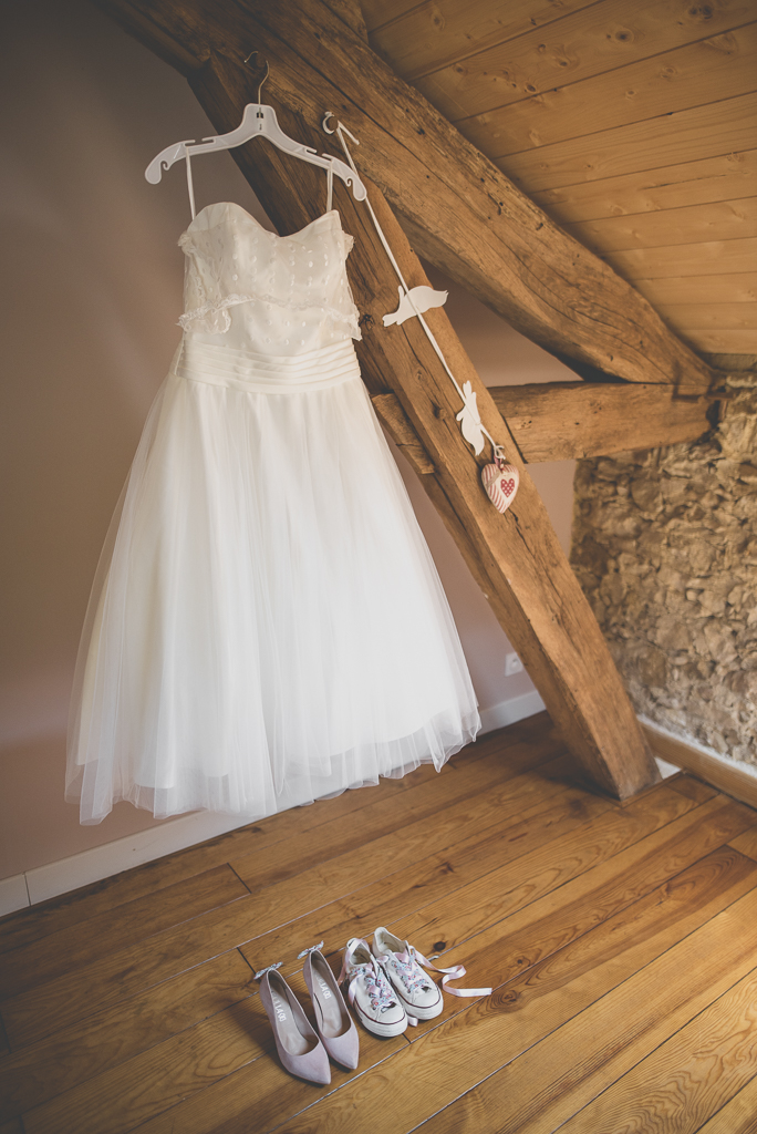 Wedding Photography Haute-Garonne - robe de mariée et chaussures - Wedding Photographer Saint-Gaudens