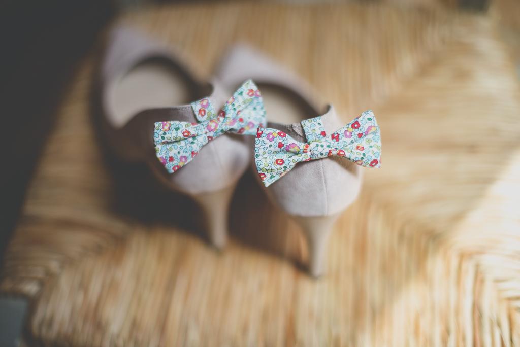 Wedding Photography Haute-Garonne - noeuds papillon sur escarpins - Wedding Photographer Saint-Gaudens
